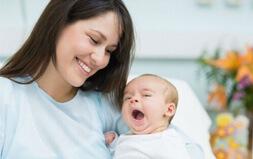Những lưu ý khi chăm sóc mẹ sau sinh tại nhà